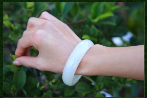 100/% naturel Fashion fine belle sculptés à la main Blanc Bracelet Jonc Jade