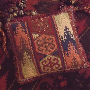Glorafilia-Tapestry-Needlepoint-Kit-Kelim-Terracotta