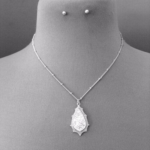 Silver Finished Teardrop Shape Pendant Necklace /& Stud Post Earring Set