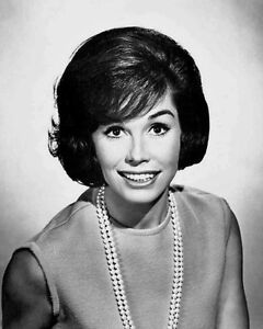 Famous-Actress-MARY-TYLER-MOORE-Glossy-8x10-Photo-Model-Print-Film-Poster