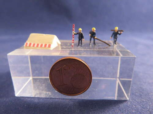 AB01 construction workers with tent figure Scale Gauge Z 1220