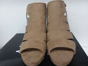 eb671cd7563c Image is loading Naturalizer-Womens-Etta-Oatmeal-Sandals-Size-8m