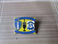 LEEDS United v CARDIFF City 2011 - 2012 Championship FOOTBALL Pin Badge