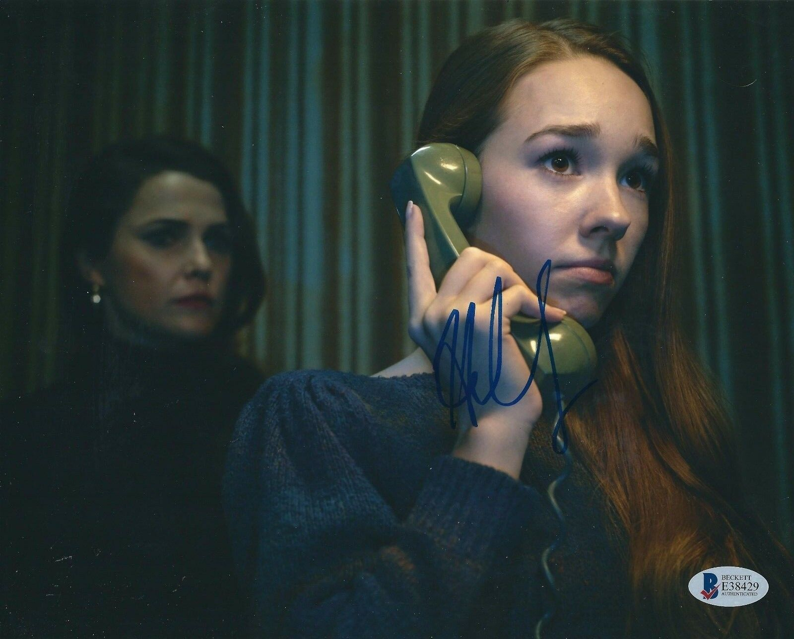 Holly Taylor Signed 'The Americans' 8x10 Photo BAS Beckett E38429