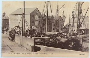 ISLE-OF-WIGHT-RARE-EARLY-1900s-POSTCARD-NEWPORT-TOWN-QUAY-NO-12-LL-SERIES