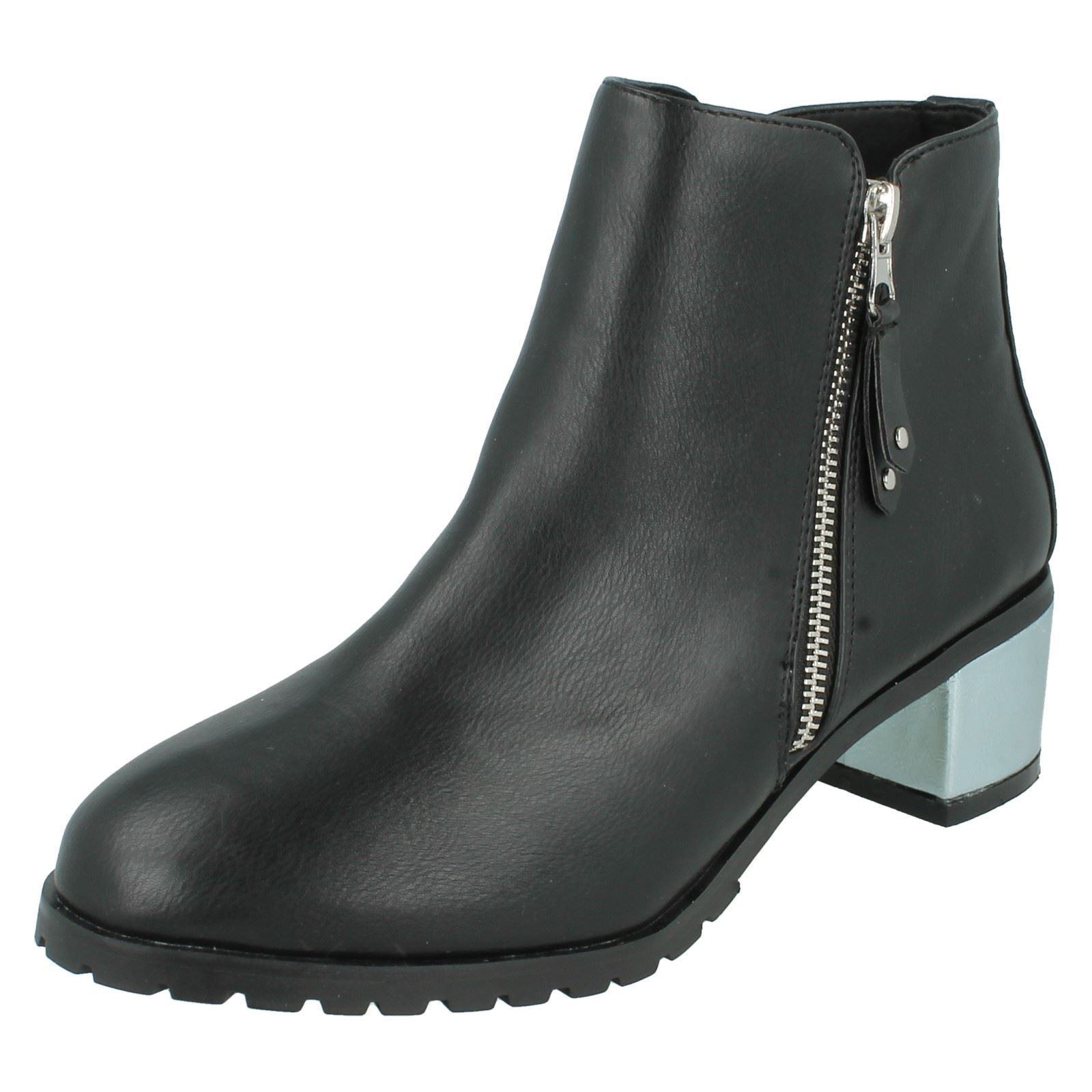 Ladies Black Anne Michelle Low Cut Silver Block Heeled Ankle Boots F50633