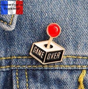 1-Pins-NEUF-en-Metal-Brooch-Manette-de-jeux-video-Game-controller-Game-Over