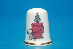 Snoopy-Home-for-Christmas-Exclusive-China-Thimble-B-88