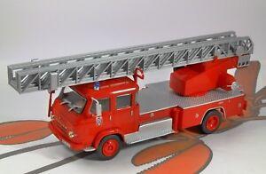 SAVIEM-S7-France-Fire-Engine-1-43-scale-model