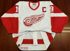 meet 2c351 36fdd Details about Steve Yzerman Vintage Detroit Red Wings CCM Authentic Jersey