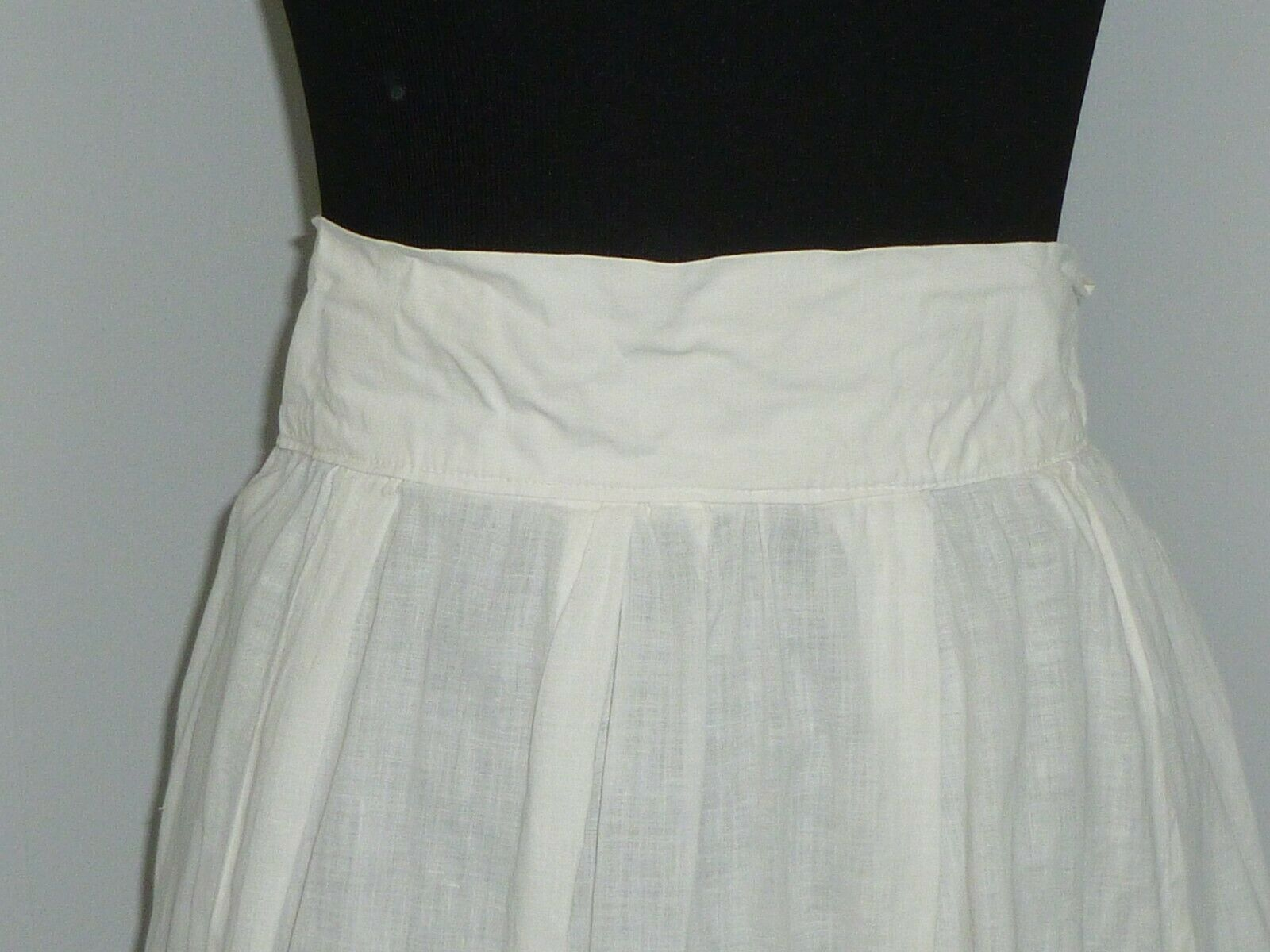 Antique LINEN Skirt~Embroidered Eyelet Lace Petti… - image 2