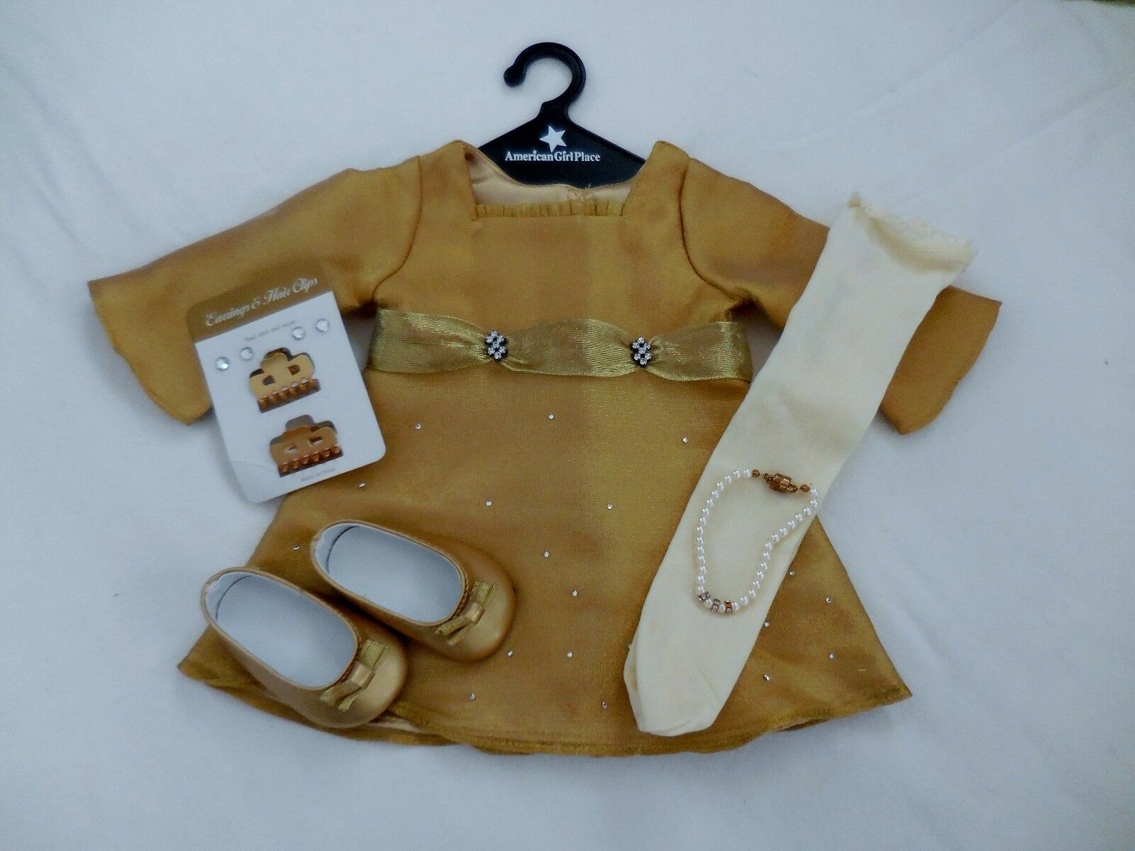 American Girl Doll Extremely RARE Shimmery Gold  Kleid & Accessories NIB 2002