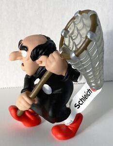 Gargamel with Net 20825 - Year 2020 Smurfs 2inch Figurine Plastic Figure