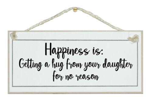 Le bonheur devient un câlin de votre fille.. Cadeau Shabby Chic Signe