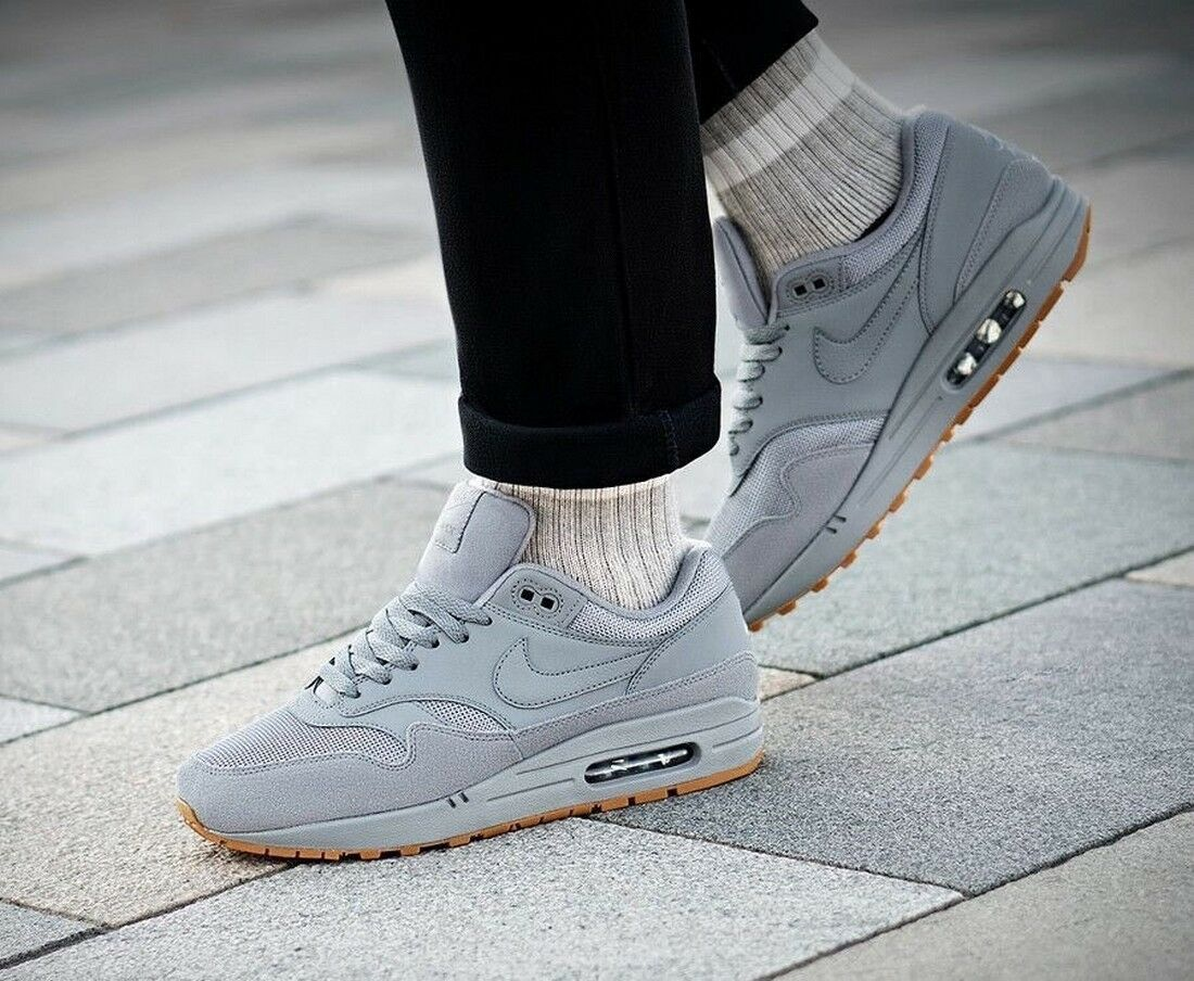 BNWB & Authentic Nike ® Air Max 1 Trainers in Grey with Gum Sole UK Size 9.5
