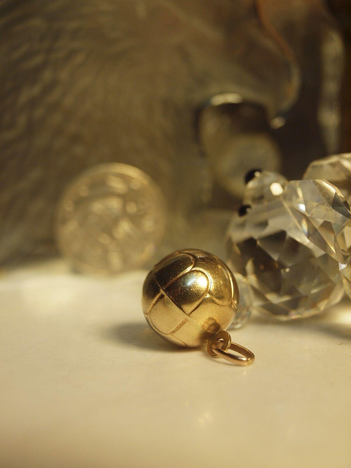 GENUINE   375 YELLOW gold   SOCCER BALL   PENDANT - HALLMARKED   375