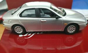 Alfa-Romeo-Alfa-156-Grigia-Scala-1-43-Die-Cast-Solido-Alfa-Romeo