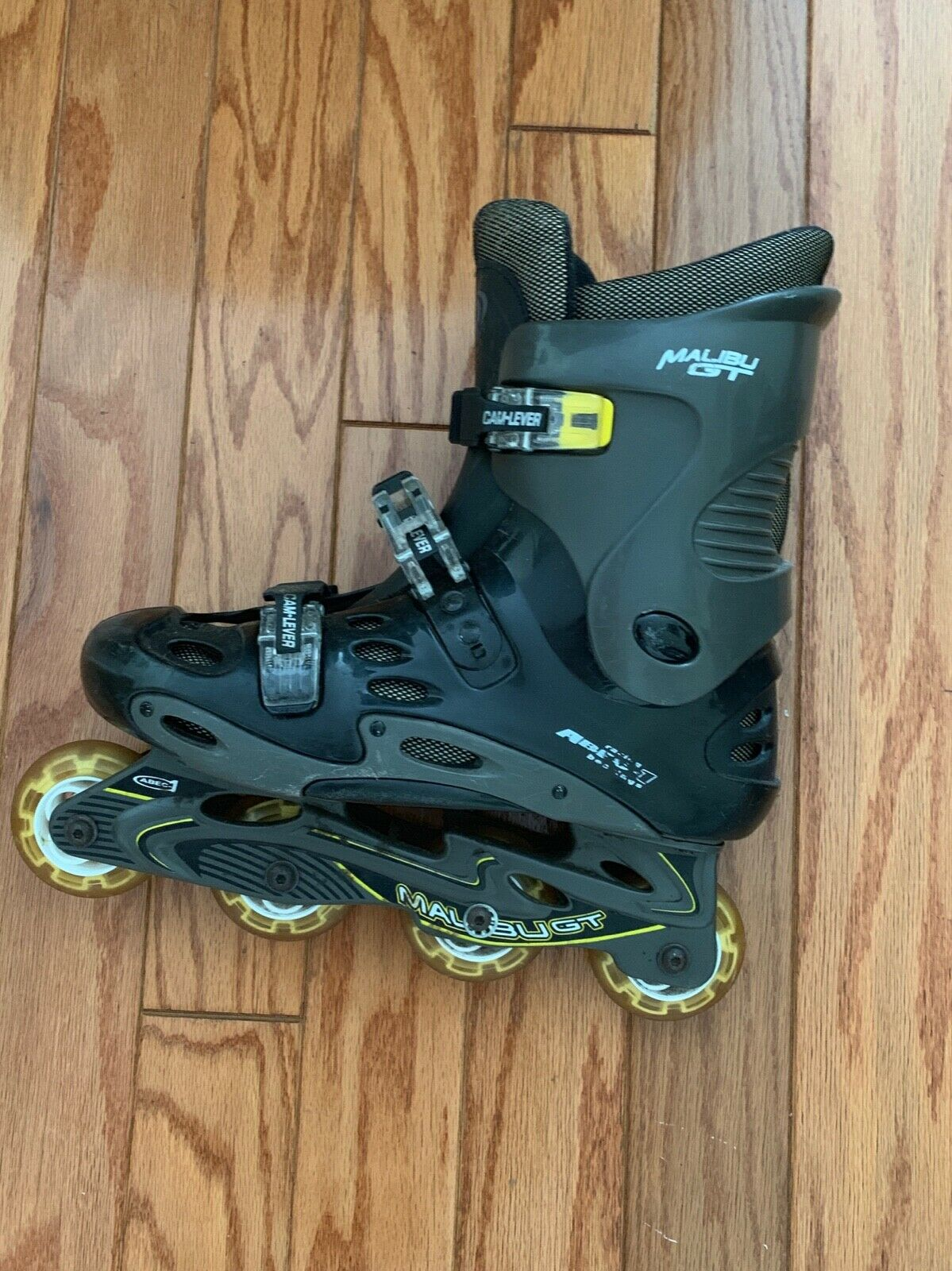 Great condition men's  Rollerblades size 9- Malibu GT, CA-LEVER  up to 50% off