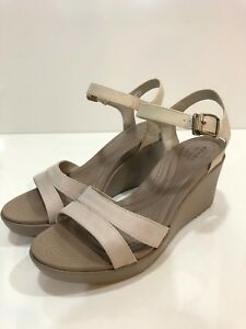 5450fb210d3 Crocs Leigh II Women s Ankle Strap Wedge Sandal Shoes Size 11