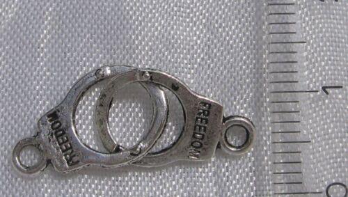 Lot 10 breloques PAIRE DE MENOTTES pendentifs perles métal argenté 30x10mm *B210