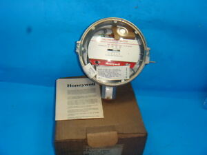 NEW-HONEYWELL-C437J-1016-GAS-AIR-PRESSURE-SWITCH-1-2-TO-5-PSIG-NEW-IN-BOX