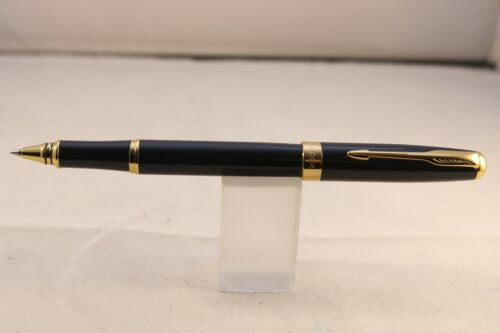 388 Lacquered Black Rollerball Pen with Gold Trim Baoer No