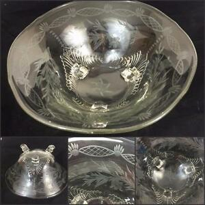 Elegant-Glass-Vtg-Elaborate-Etched-3-Toe-Foot-Centerpiece-Crystal-Bowl-Fostoria