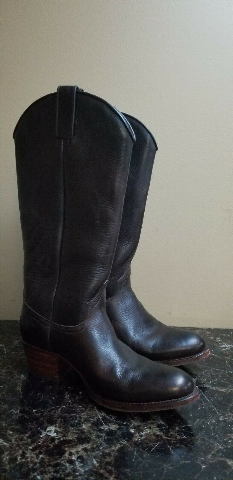 Frye Womans Mid-Calf Brown Boots Size 7