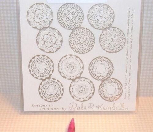 DOLLHOUSE Miniatures 1:12 Scale Miniature Kendall Laser-Cut Paper Doilies 12
