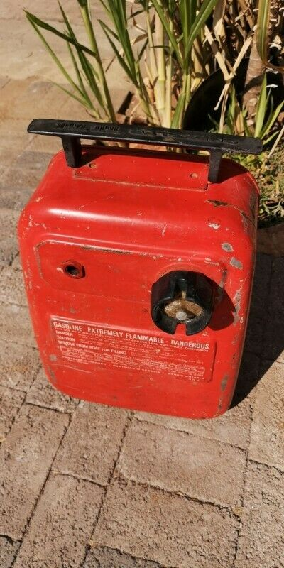 Chrysler Motor Boat Fuel Tank - red with surface rust J 5549