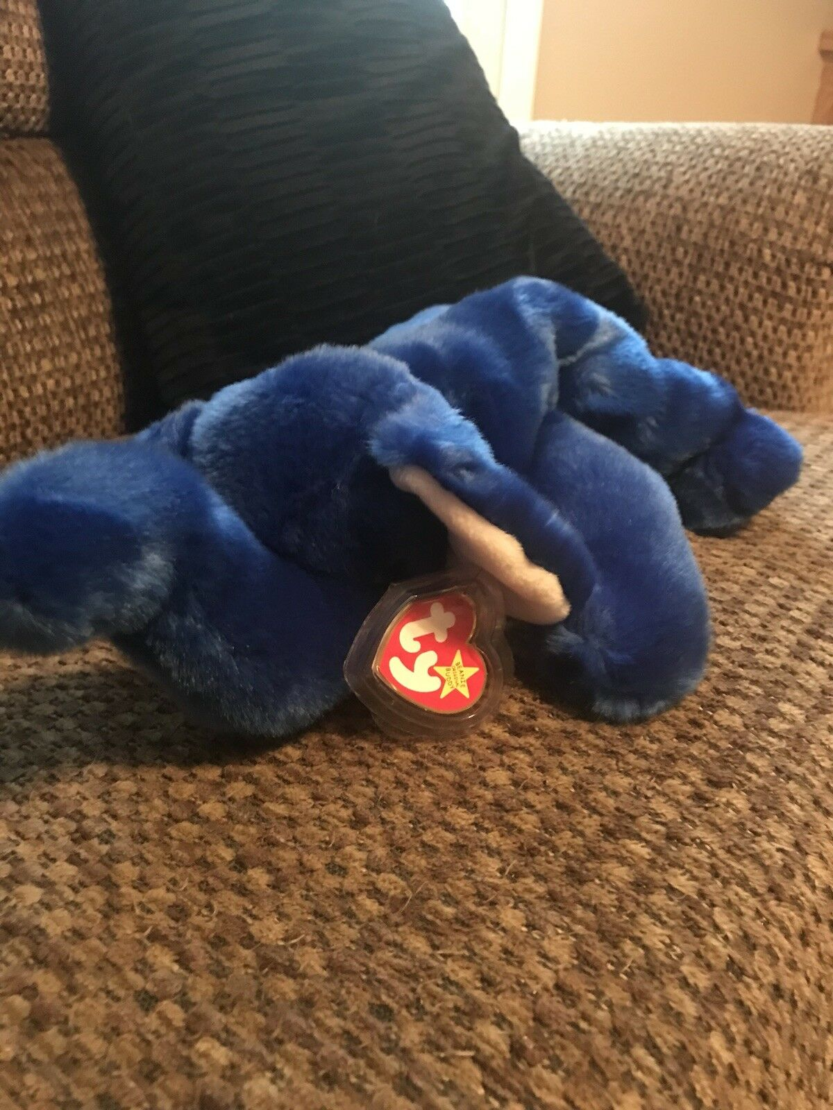 "TY ""Peanut"" The Royal bluee Elephant Plush Beanie Buddy 1998 Hang Tag Predector"