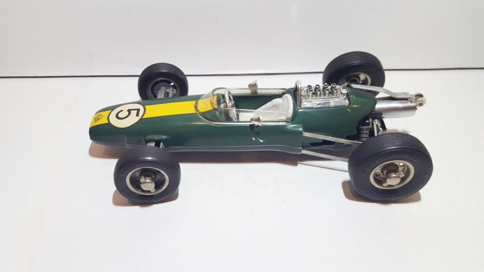Schuco 1071 Lotus Climax 33 F1 w. lighter Consul B172 1960 very good condit 1/16