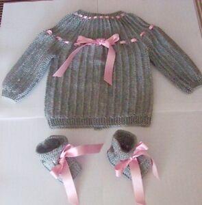 layette-bebe-brassiere-chaussons-NAISSANCE-classique-confort-gris-rose