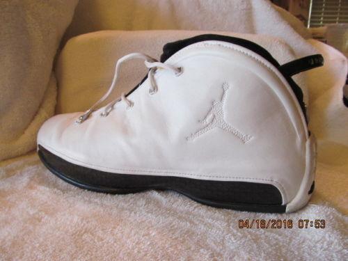 Nike air air air jordan 18,5 bianco   nero dimensione 13.bella condizione    Alta qualità ed economia  445ba6