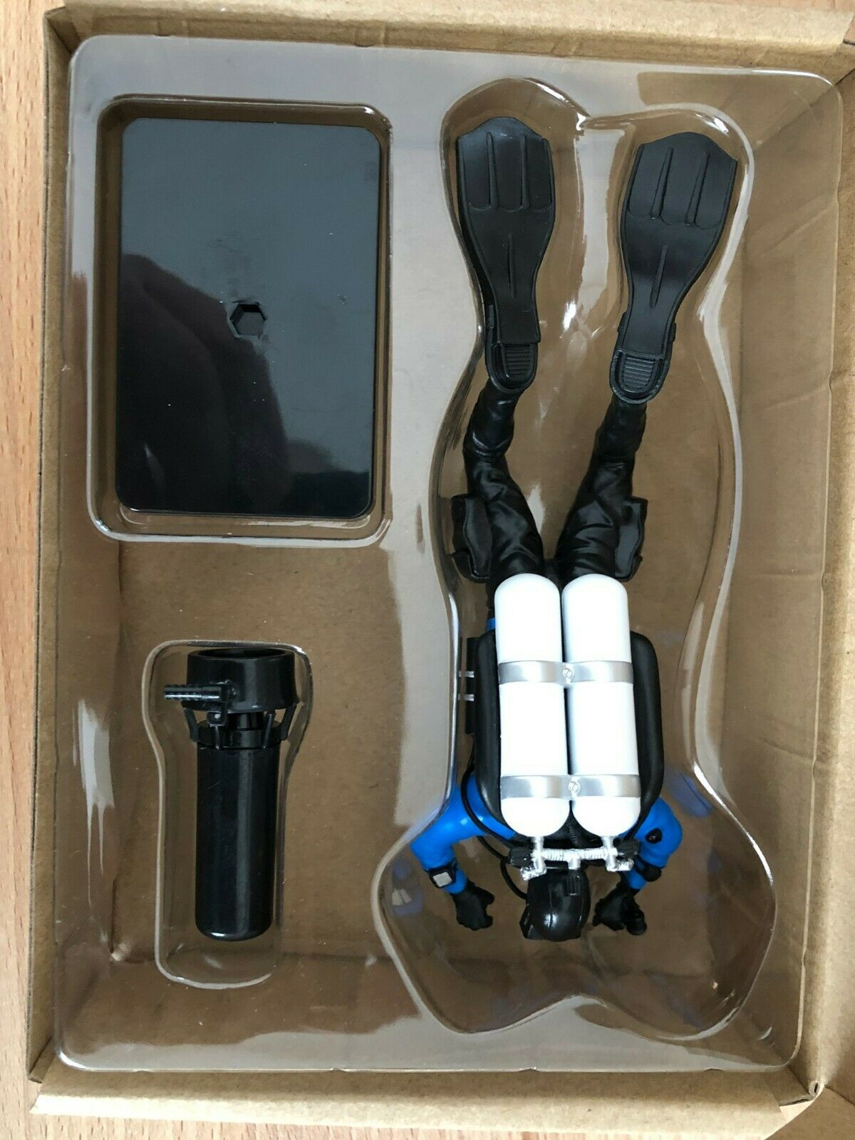 SCUBA Diver Model Twin Set GUE Configuration with with with Scooter fc995b