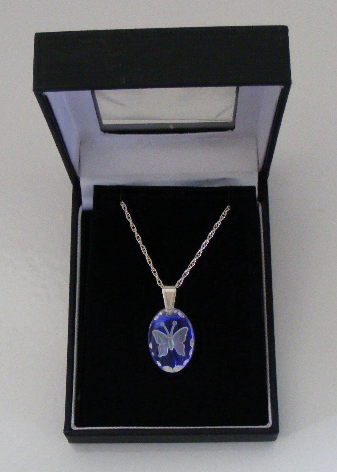 Glace blue petit ovale papillon cristal pendentif
