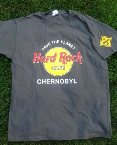 Taille XL Mine de plomb Hard Rock Cafe Tchernobyl T-shirt et pin