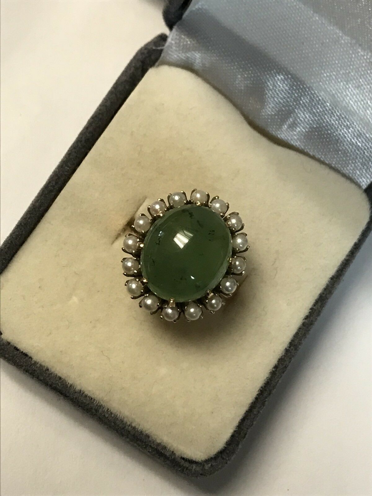 Beautiful 18KT Yellow gold Large Oval Jade Prong Set Ring W  Gorgeous Pearl Halo
