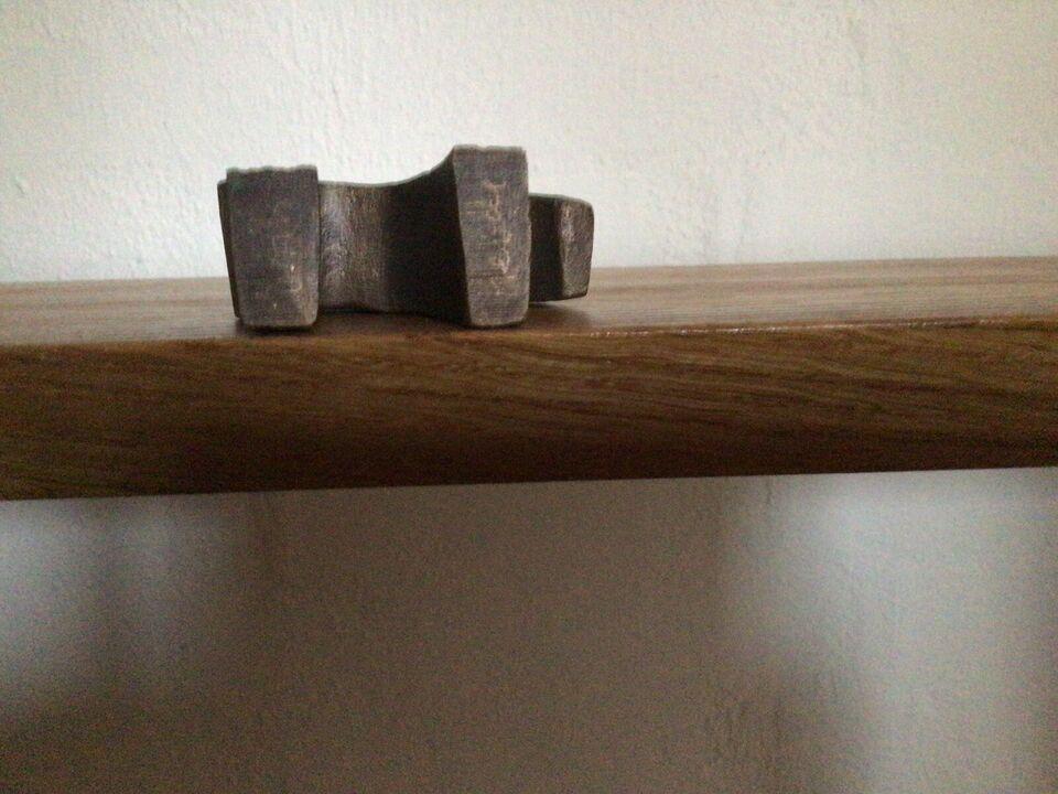 Skulptur, Erik Heide, motiv: Lam/Dyr