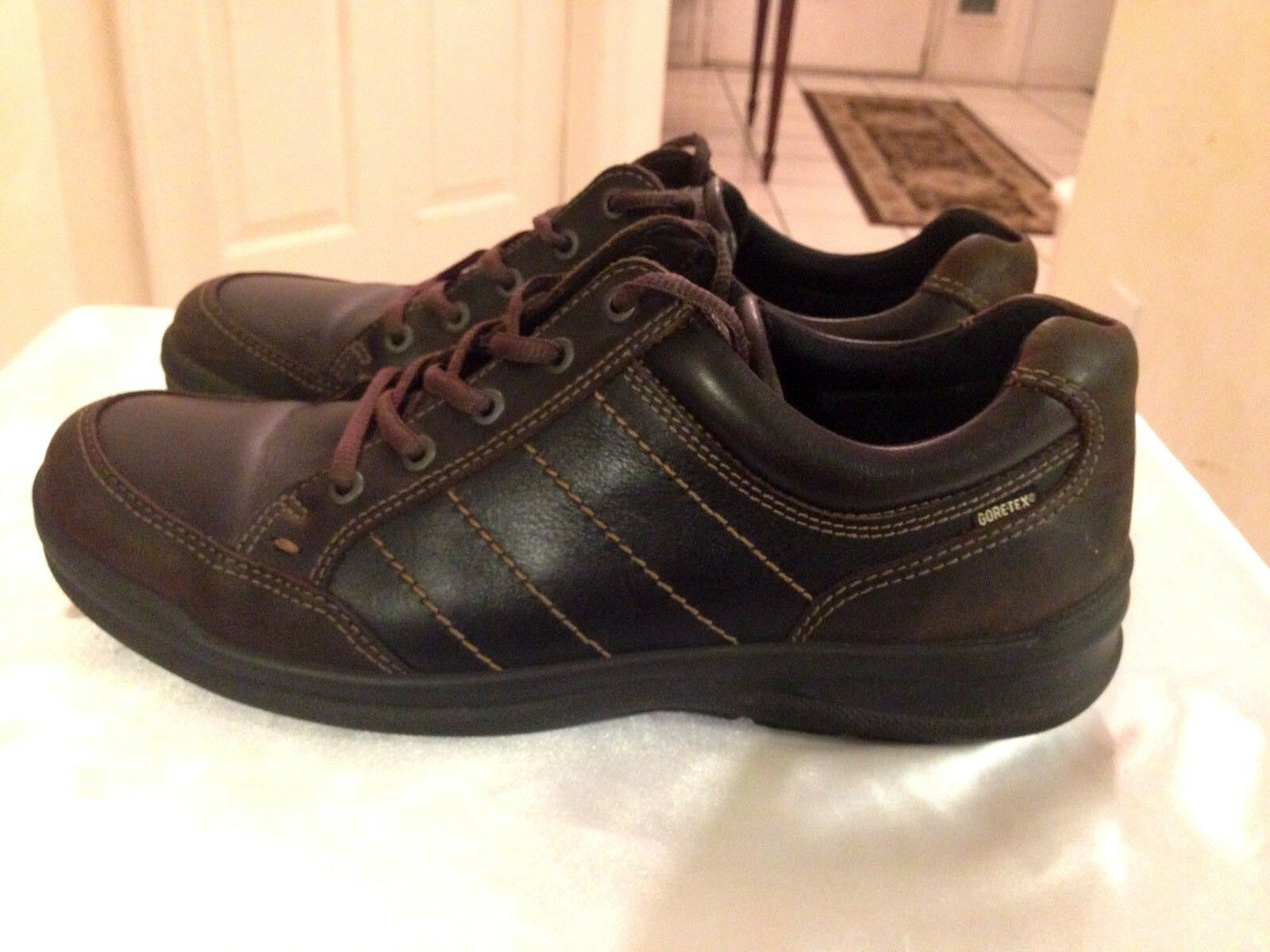 ECCO Mens Dark Brown Leather Gore Tex Walking Hiking shoes Lace Up Size 10