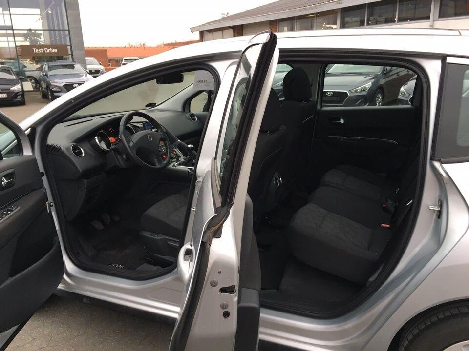 Peugeot 3008 1,6 HDi 110 Premium Diesel modelår 2009 km