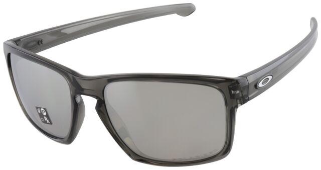 4b0fb1f4e01 Oakley Sunglasses Sliver Grey Smoke Frame Chrome Iridium Polarized ...