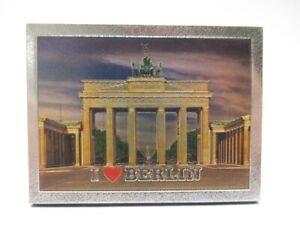Berlin Schrift Magnet Brandenburger Tor Trabi . Poly Souvenir Germany