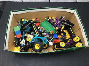 Vintage-lot-Lego-Unique-Bricks-Parts-Cars-People-Several-Spaceship-Themes-Photos