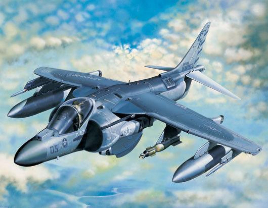 1 32 TRUMPETER AV-8B HARRIER II PLUS