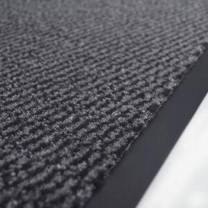 Tapis-de-proprete-pour-entree-accueil-Paillasson-synthetique-raye-gris-noir