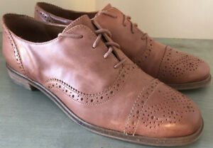 Size 6 Brown Leather Oxford Wingtip Shoes