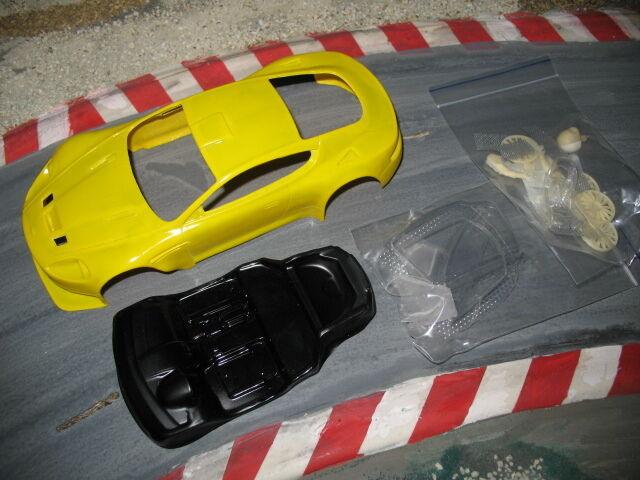 1 24 Aston Martin DBR9 GT3  in weiß ,GFK Kit,mit Anbauteilen