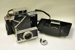 Polaroid-model-180-camera-with-timer-and-front-cover