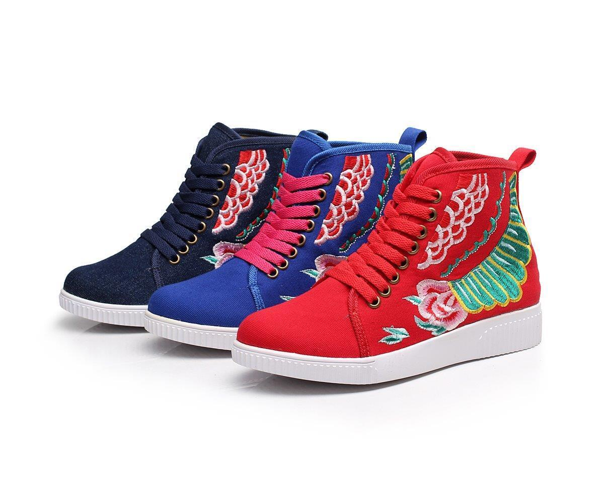 Limited edition of Genuine Tribal Hand Embroidered Sport  chaussures , sneakers, boots